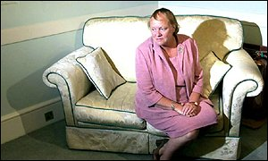 Mowlam on the sofa